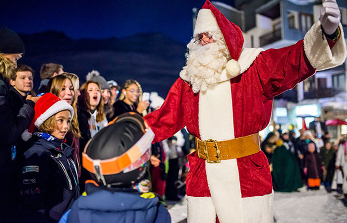 Best ski resorts to spend Christmas: Father Christmas © Remi NGUYEN CAO