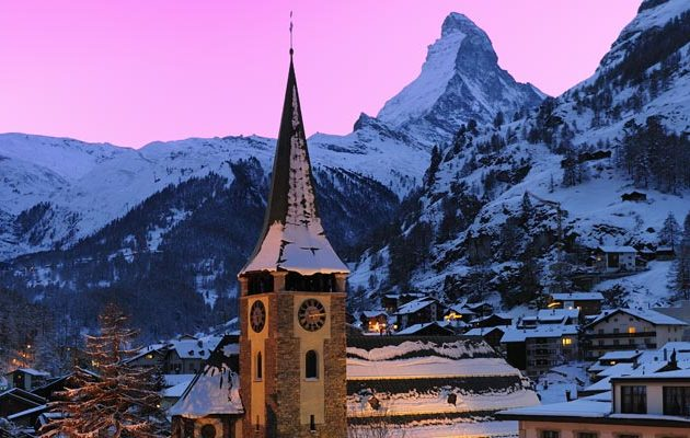 A-Romantic-Sunset-Over-The-Matterhorn-In-Zermatt