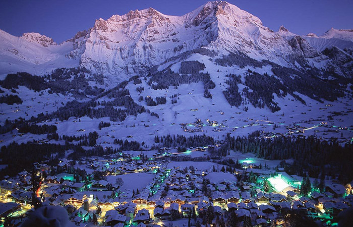 Adelboden town centre at night