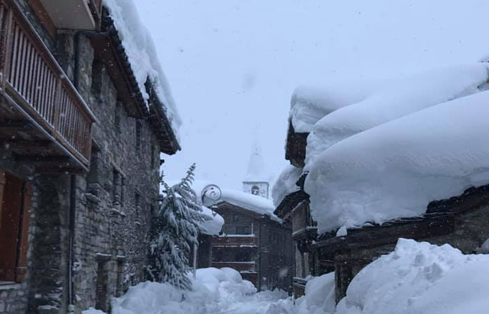 Lots of snow in Val d'Isere