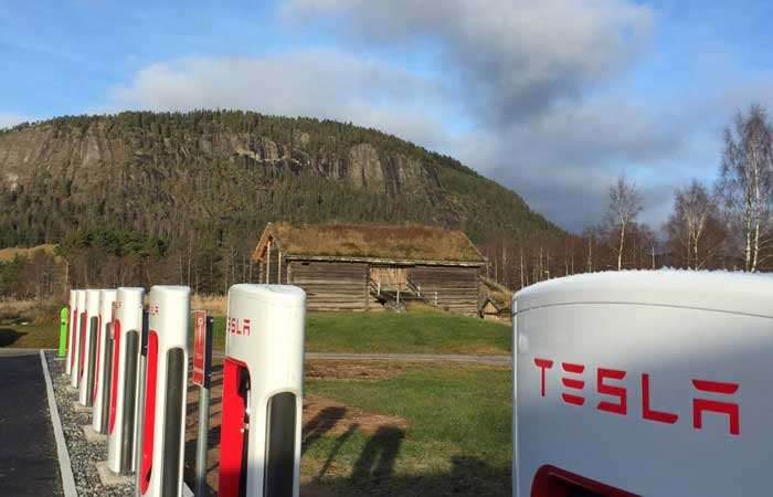 Driving to the Alps, charging points